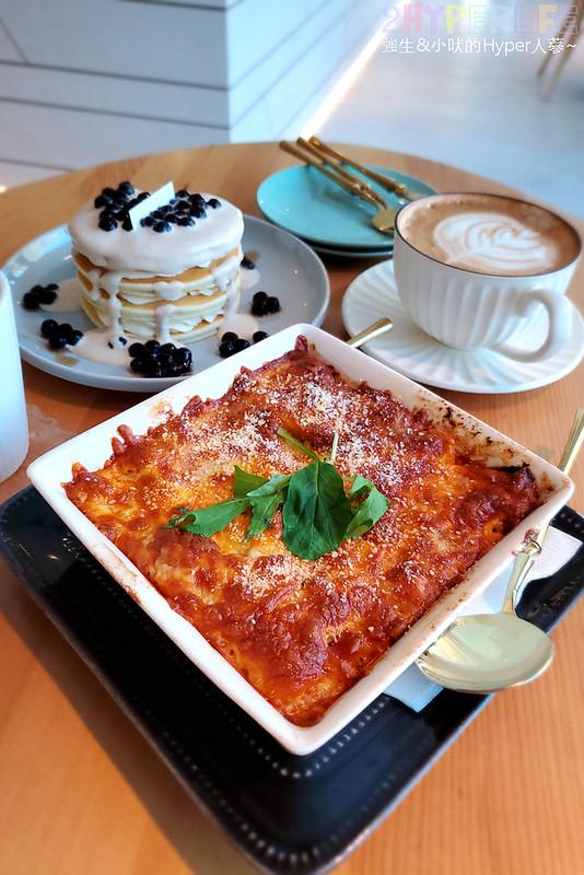 50637856937 9293980ddc c - 在有著最美窗景的咖啡館裡吃珍奶鬆餅太享受!走出堁夏咖啡就是台中歌劇院的空中花園~