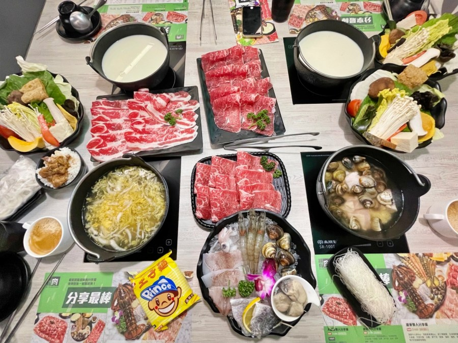 [桃園美食]超有肉涮涮屋.愛買店~個人鍋湯底選擇多.一個人也能吃東北酸白菜鍋 @VIVIYU小世界
