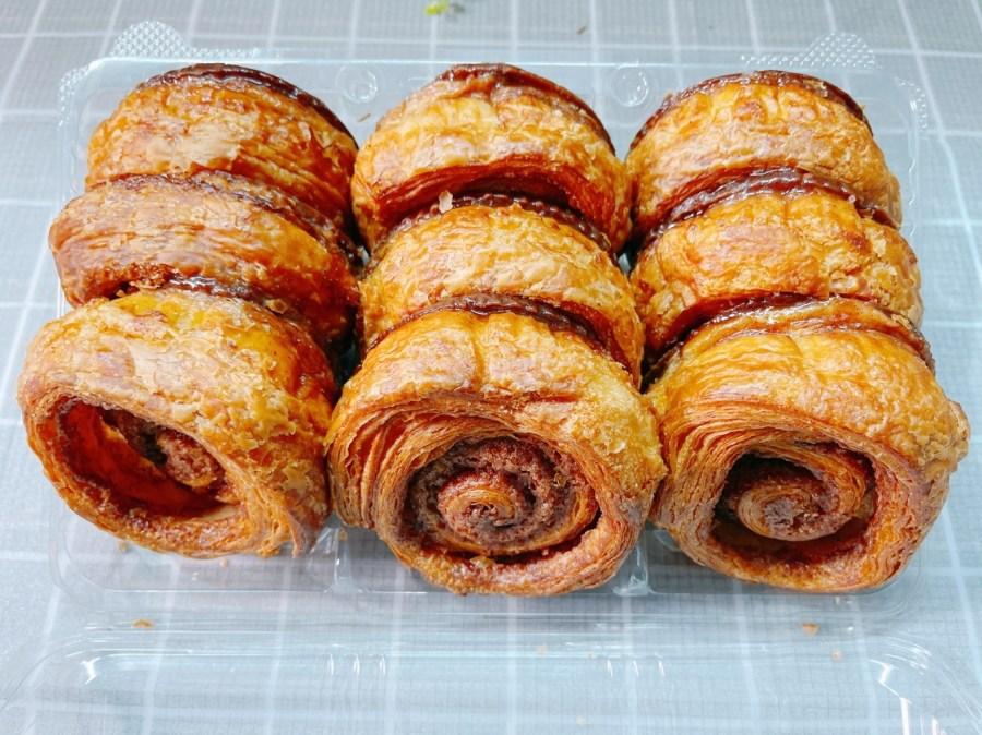 [全台美食]COSTCO好市多熱賣肉桂捲|肉桂奶油酥~法式層層酥皮堆疊.焦糖肉桂香 @VIVIYU小世界