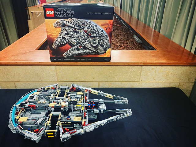 LEGO UCS Millennium Falcon Build