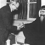 الدكتور باهور لبيب مع البابا كيرلس السادس
