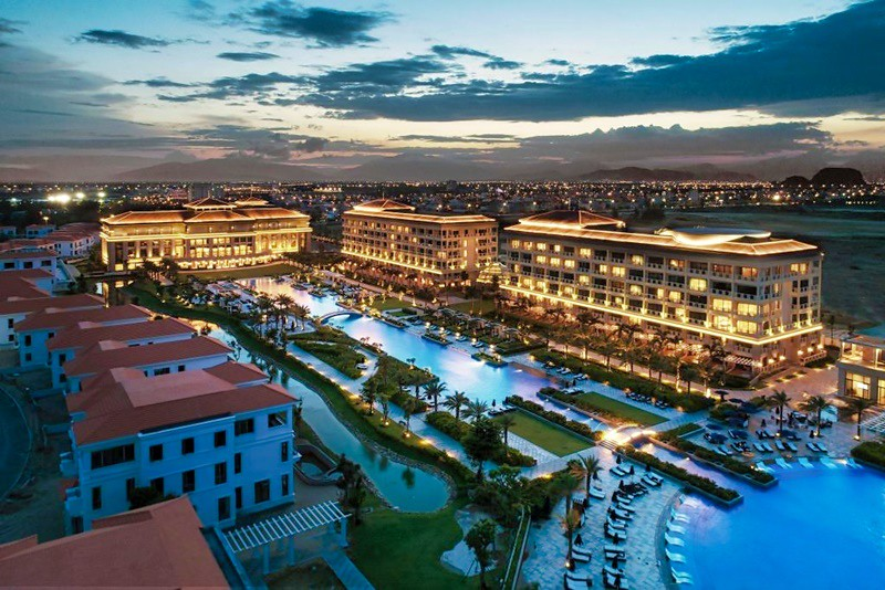 Sheraton Grand Danang Resort 1