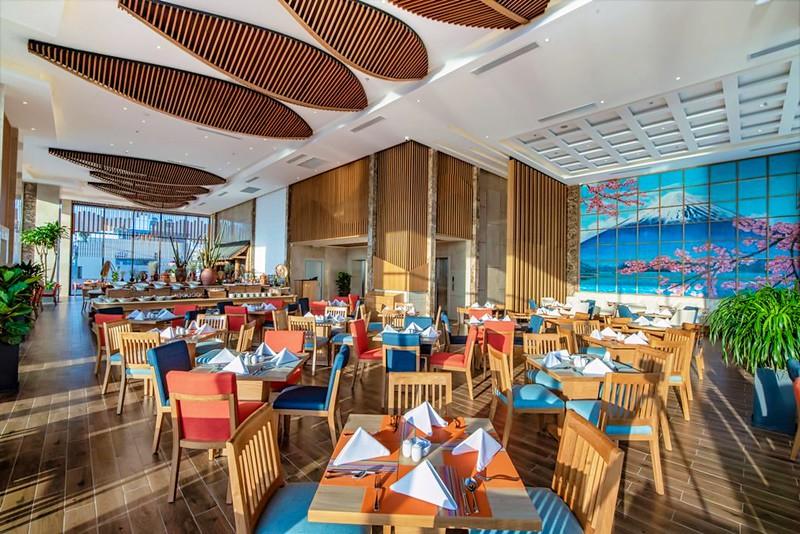 Sala Danang Beach Hotel 4