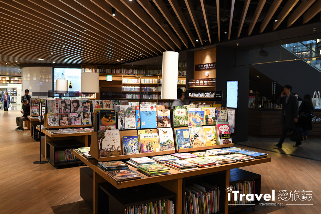首爾星空圖書館 Starfield Library (45)