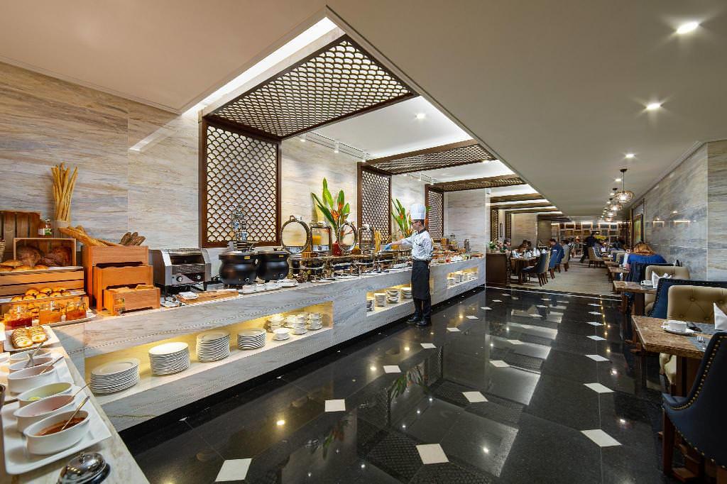 The Oriental Jade Hotel 4