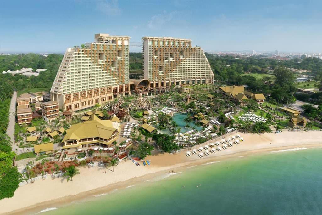 Centara Grand Mirage Beach Resort 1