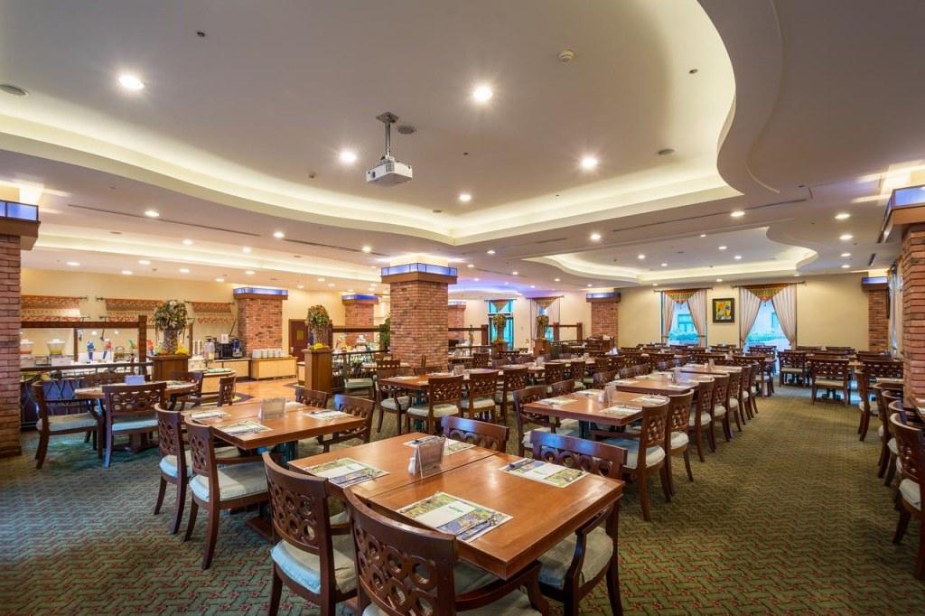 Naruwan Hotel 4