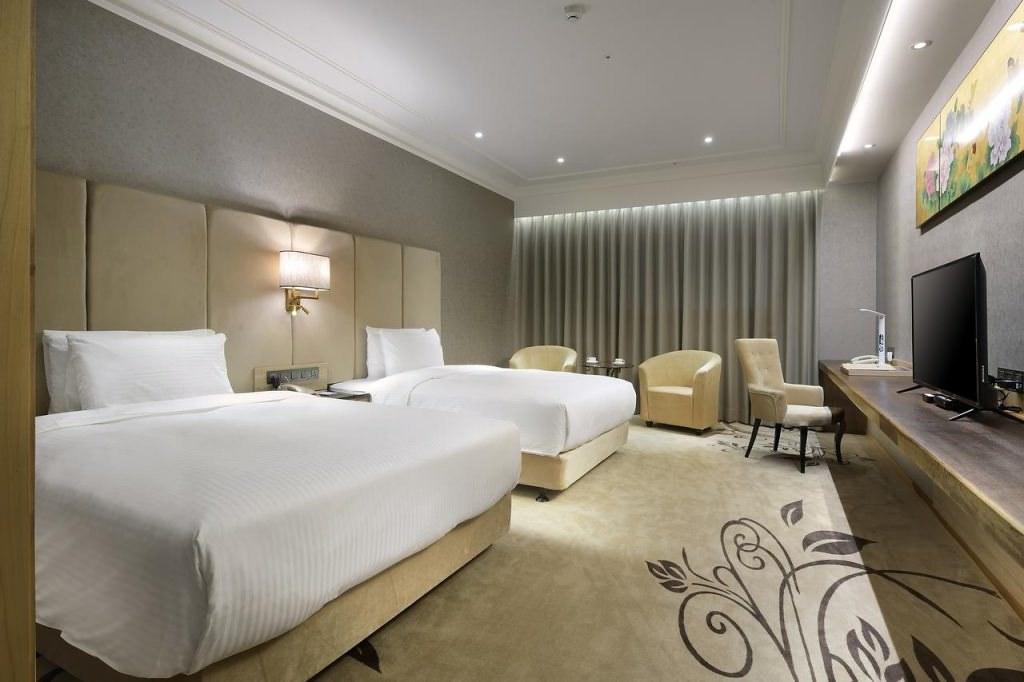 Lixin Grand Hotel Tainan 3