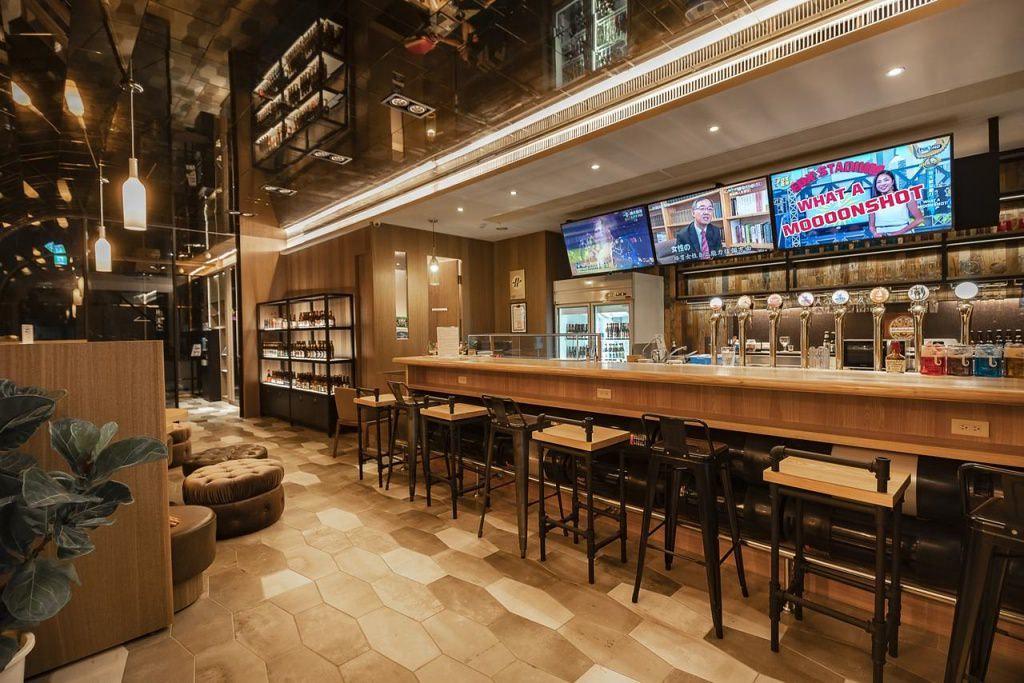 Beer Hotel 4