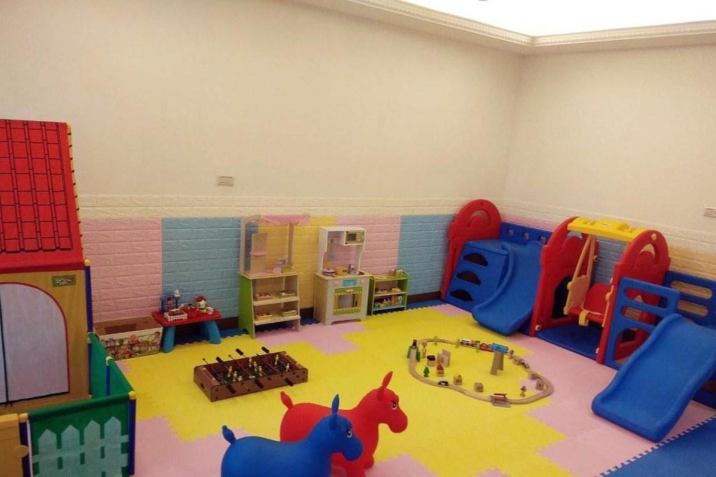 child fun house 4