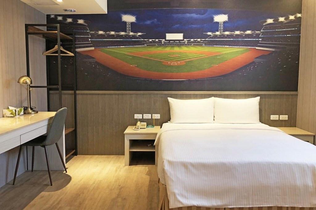 La Hotel-Baseball Theme Hall 3