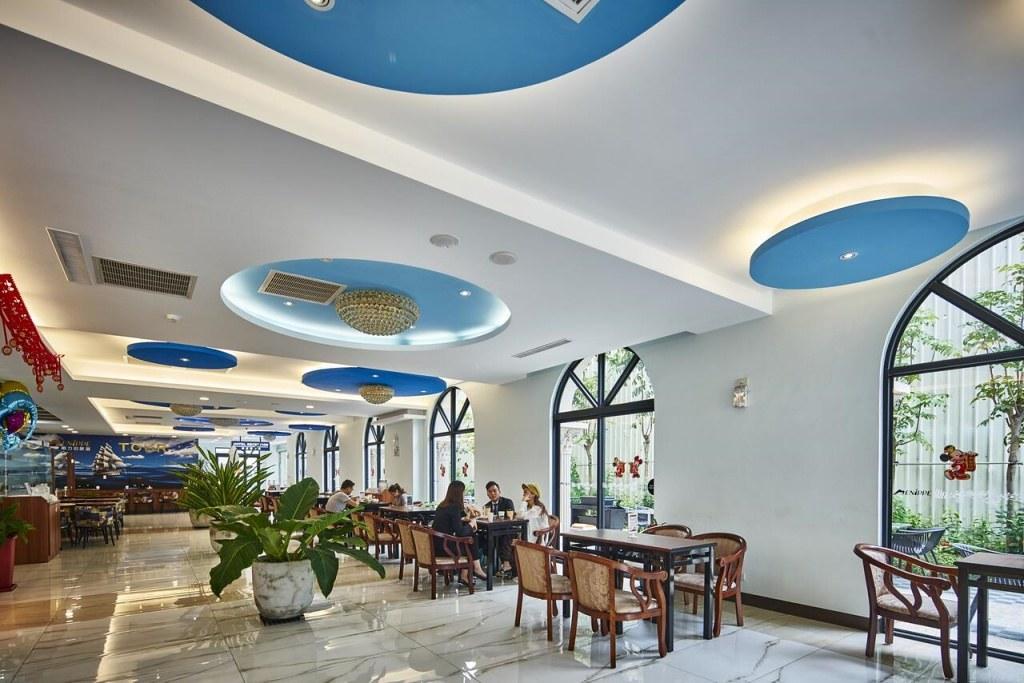 Hotel MENIPPE 2