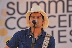 BRAD PAISLEY  CONCERT IN CENTRAL PARK  2011   ...
