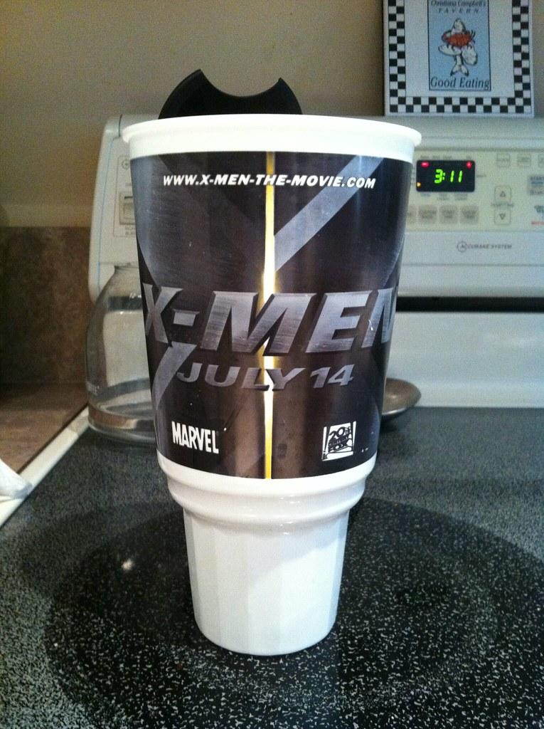 X-Men 2000 cup