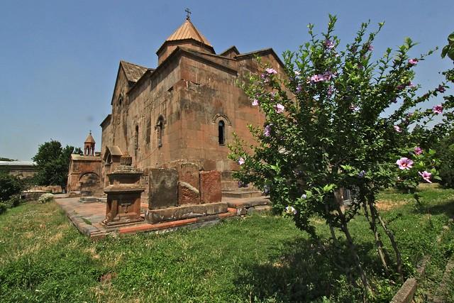 Le jardin de Sainte Gayané, Etchmiadzin, Arménie