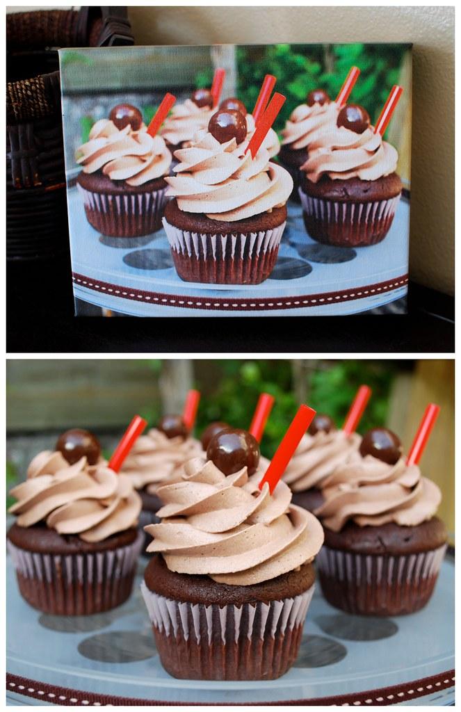 Chocolate Malt Cupcakes: Easy Canvas Print