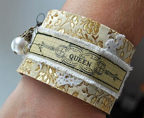 Cuffs04