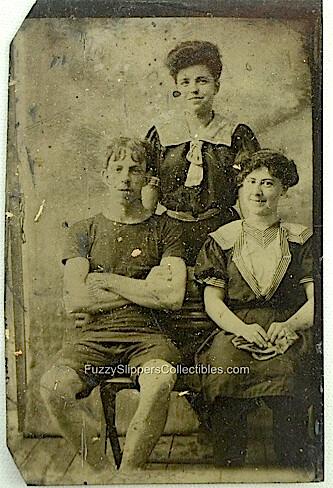 1910 Antique Beach Trio