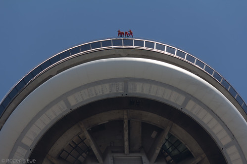 CN Tower 047-20110801 by Roger's Eye
