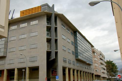 Edificios de viviendas en la confluencia de la calle Leire con la calle Aralar.