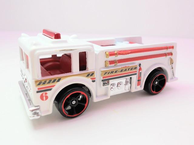 hot wheels fire eater white (2)