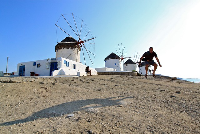 Marc saute, Myconos, Grèce