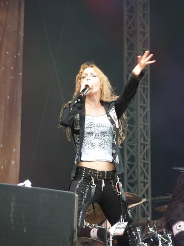 Arch Enemy Live at Knebworth - Angela Gossow