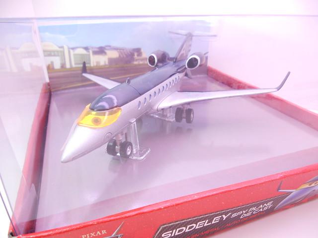 disney store cars 2 siddely the spy jet diecast (2)