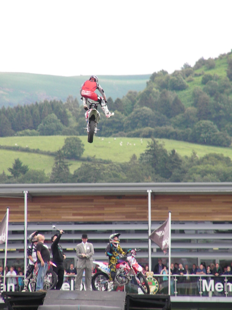 Royal Welsh Show 2011-Bolddog Lings Freestyle Motorcycle Display Team