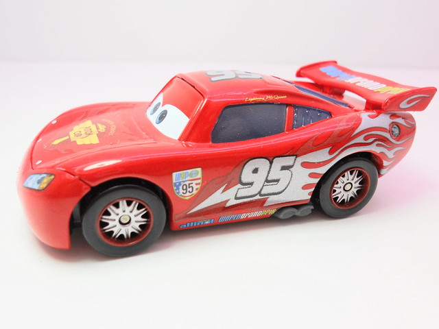 disney cars 2 finish line frenzy exclusives (2)