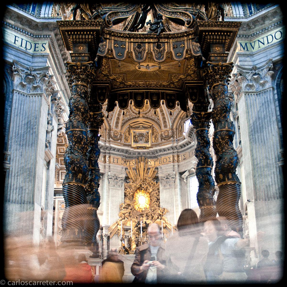 Baldaquino - San Pietro in Vaticano