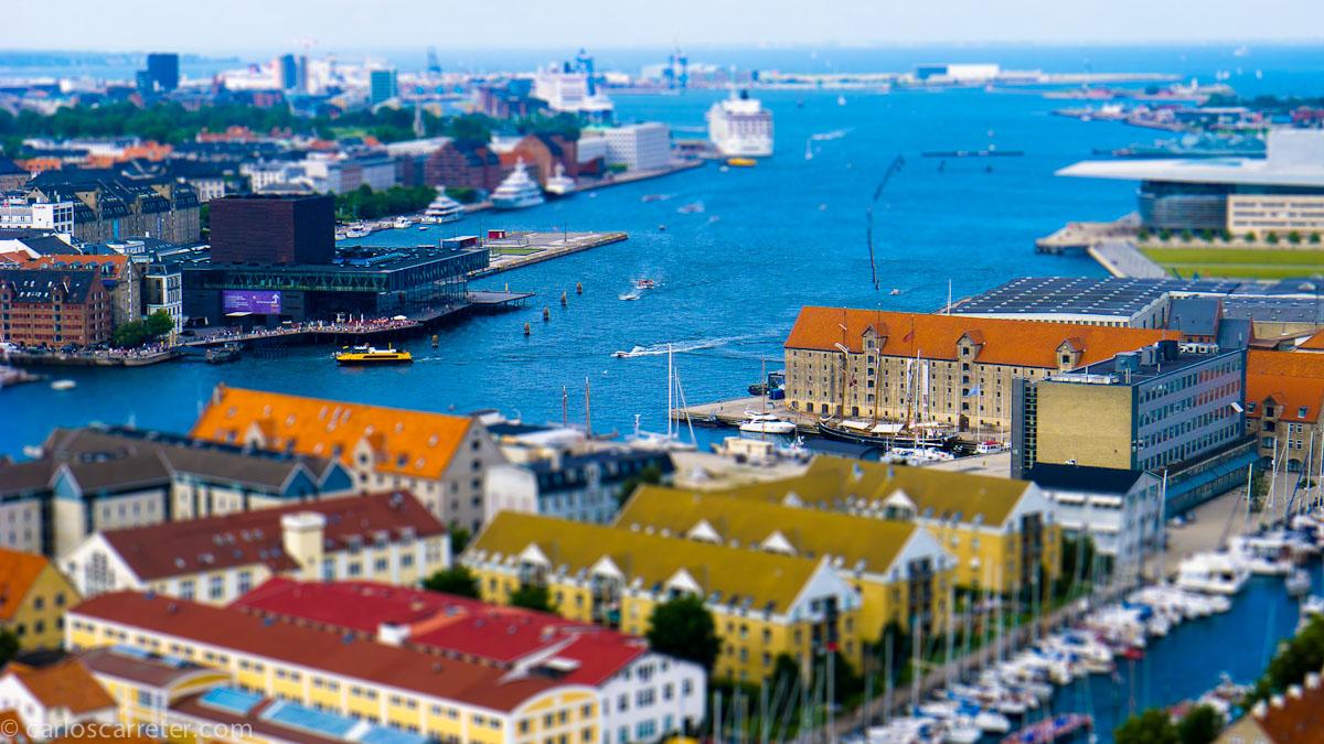 El puerto de Copenhague desde Vor Frelsers Kirke