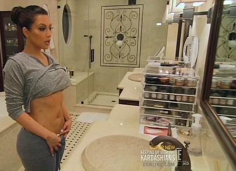 004a Kim Kardashian P Ab