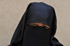 portrait : femme voilée, Marrakech