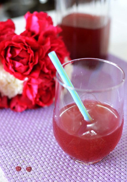 Cranberry iced tea