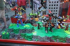 Hero Factory Display Case - LEGO Booth at Comic Con - 4