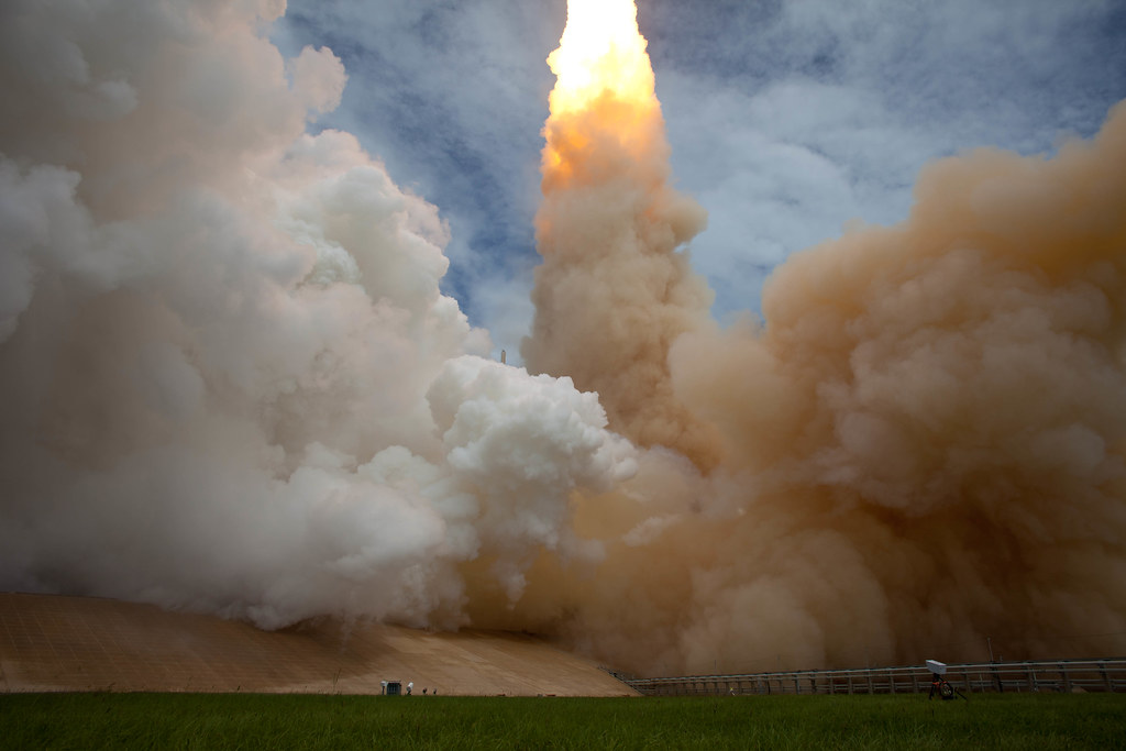 STS-135 Atlantis Launch (201107080030HQ)