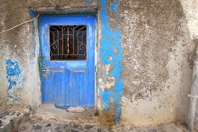 Porte abandonnée, Santorin, Grèce