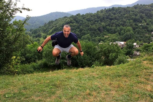 Marc saute à Gochavank, Arménie