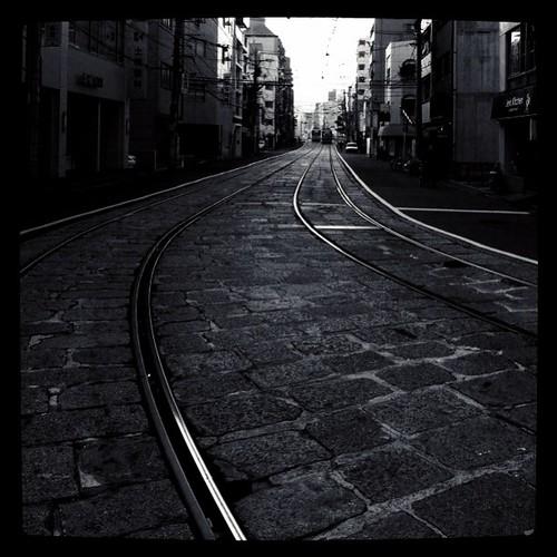 再ポスト祭り! 初期の頃に投稿した写真を少し調整してみました。タイトルは、「線路は続く」でした。#repostfesww  #bwlove #iphonography #instagram