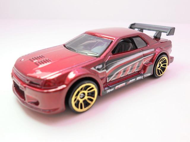 hot wheels nissan skyline gt-r R32 burgundy (2)