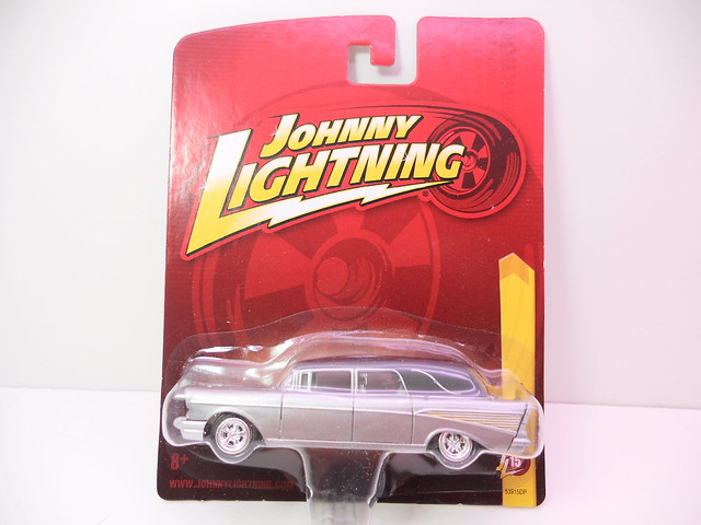 johnny lightning '57 chevy hearse silver(1)