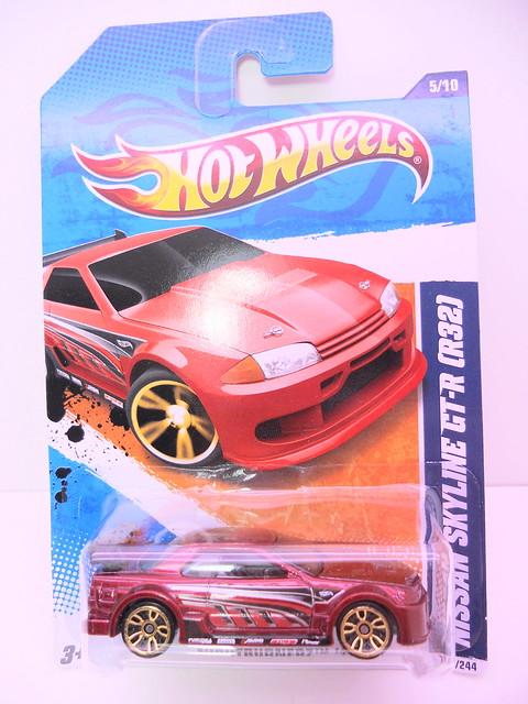 hot wheels nissan skyline gt-r R32 burgundy (1)