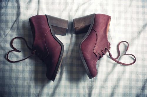 Och jag behöver nog dammsuga mitt golv men vad gör det när man har världens  finaste skor. 290cba73e7ed5