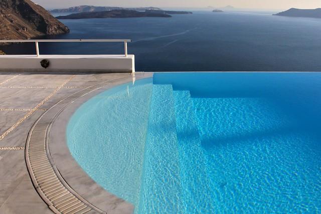 Escalier de la piscine, Santorin, Grèce