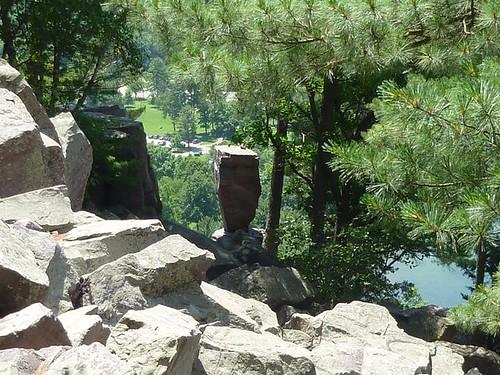 WI - Devil's Lake 012 - Balanced Rock closer