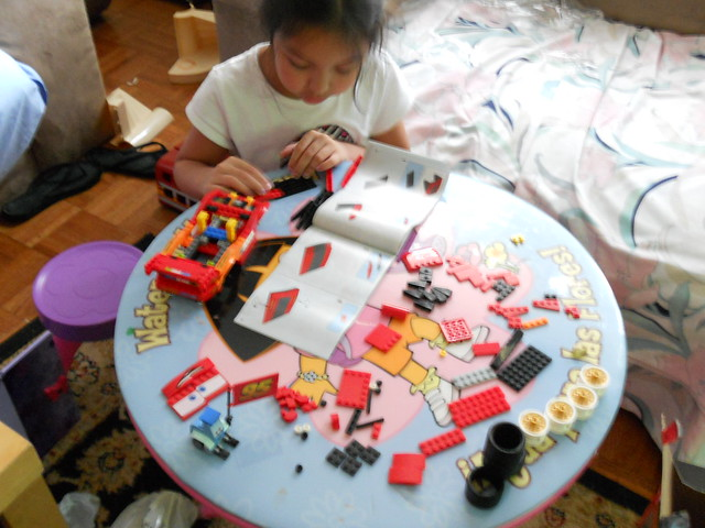 disney cars 2 lego mcqueen build (4)