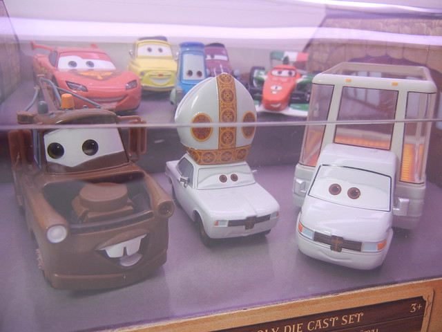 disney store cars 2 holy moley diecast set (2)