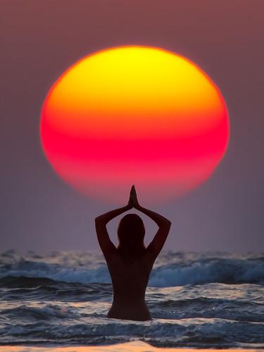Sun Salutation (Surya Namaskar) by Anton Jankovoy and Mariya Sogrina
