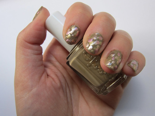 Pink & Gold Dotted Nails